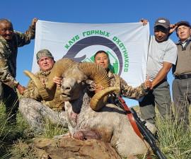 Охота в Монголии на хангайского барана