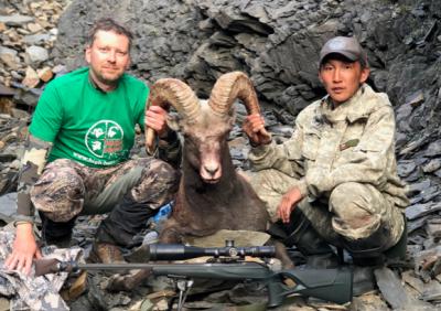 Охота на якутского снежного барана