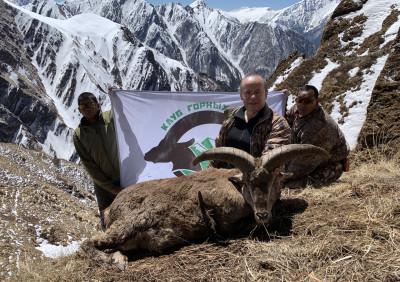 Бхарал тибетский в Непале